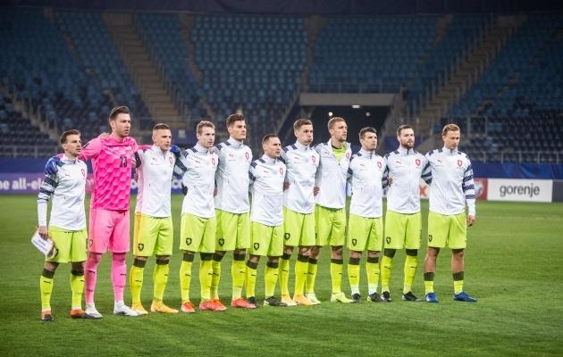 Ondrej Kudela (paremalt kolmas) mängis märtsis 90 minutit Eesti vastu, kuid koondisesse tal nüüd mõneks ajaks asja pole. Foto: Jana Pipar / jalgpall.ee