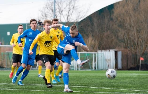 Sander Kapper on taas sinises särgis. Foto: Liisi Troska / jalgpall.ee