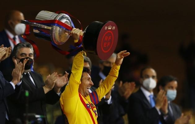 Messi on nii kõva mees, et isegi tiimikaaslased ootavad järjekorras fännipiltide tegemist. Ja Pique on jätkuvalt esikloun