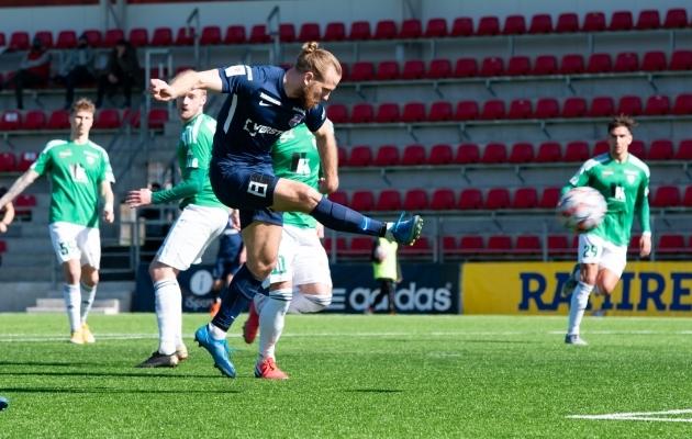 Kui Paide Linnameeskond ja FCI Levadia tänavu esimest korda vastamisi olid, lõi Henri Anier kiiresti kaks väravat ja Levadia võitis 4:0. Foto: Liisi Troska / jalgpall.ee