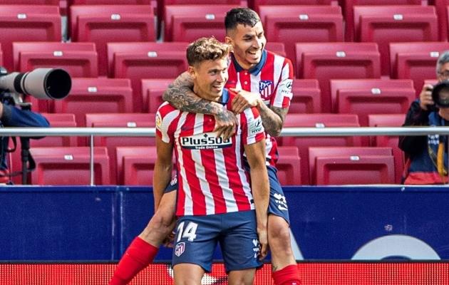 Angel Correa (taga) lõi avavärava ning Marcus Llorente tegi mõlemale tabamusele eeltöö. Foto: Scanpix / Rodrigo Jimenez / EPA
