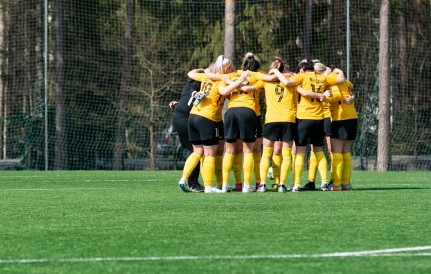 Pärnu Vapruse naiskond sai mänguta veerandfinaalist edasi. Foto: Liisi Troska / jalgpall.ee