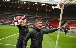 Staadionile trüginud fännid ajasid Manchester Unitedi mängukava pööraseks