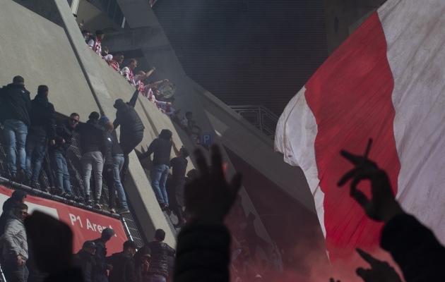 Rõdult rahvale meistrikarikat näidanud Ajaxit tervitasid tuhanded poolehoidjad. Foto: Scanpix / AP Photo / Peter Dejong