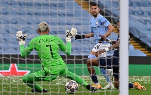 Niimoodi viis Riyad Mahrez Manchester City kordusmängu 1:0 juhtima. Foto: Scanpix / AFP / Paul Ellis