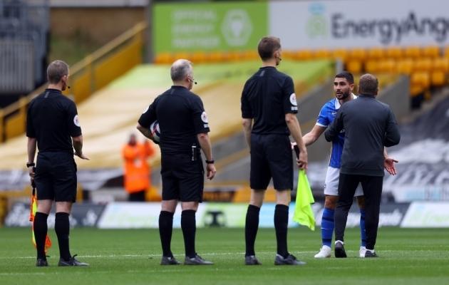 Video: Brightoni prantslasest mängumees kees lõpuvile järel üle ja sai punase kaardi