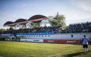 Rakvere jalgpallihalli asukoht sai paika, boonusena tehakse korda veel üks väljak
