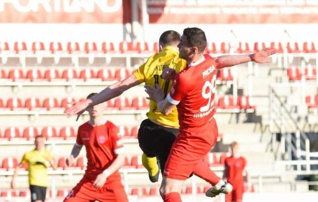 Albert Prosa (number 99) mängus Pärnu Vapruse vastu. Foto: Liisi Troska / jalgpall.ee