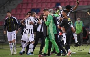 Juventus jättis Ronaldo pingile, aga tegi ise oma töö ära ja hambutu Napoli aitas nad Meistrite liigasse