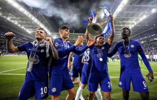 Londoni Chelsea mängijad tähistavad Meistrite liiga võitu. Foto: Scanpix / EPA / Manu Fernandez