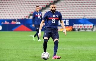 Kuueaastase pausi järel Prantsusmaa koondisesse naasnud Benzema teenis ja raiskas penalti, kolistas posti, aga väravat kirja ei saanud