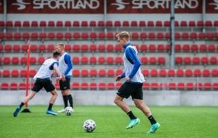 Kaks florakat jäävad mängust Lätiga eemale  (mõlema meeskonna koosseisud)