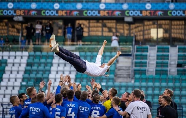 Mängu eel isegi hümni kaasa laulnud Thomas Häberli tegi Eesti koondise peatreenerina ajalugu. Foto: Brit Maria Tael