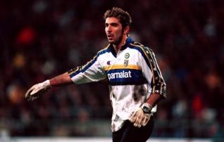 Ametlik: Buffon otsustas 20 aastat hiljem koju naasta