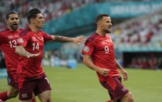 LOE JÄRELE: Šveits sai võidu, kuid jäi kolmandaks; koosseisu välja vahetanud Itaalia alistas napilt kümnemehelise Walesi