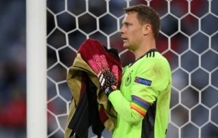 UEFA seisukoht: Manuel Neueri vikerkaare-värviline kaptenipael teenib üllast eesmärki