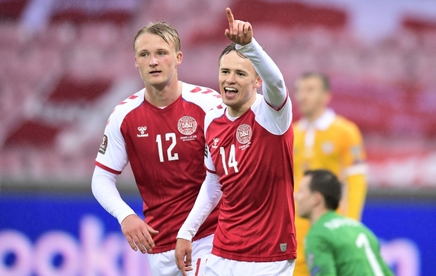 Kaspar Dolberg (vasakul) ja Mikkel Damsgaard. Foto: Scanpix / Reuters / Bo Amstrup