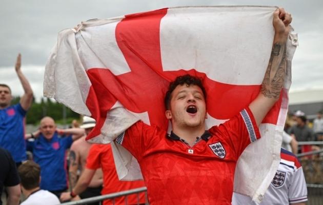 Inglismaa ja inglaste jalgpalliarmastuses pole mingit kahtlust. Korraldusõiguses samuti mitte. Aga ninatargutamine võib nad ikkagi jälle MM-ist ilma jätta. Foto: Scanpix / AFP / Oli Scarff