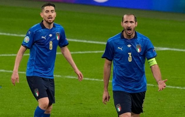 Jorginho ja Giorgio Chiellini. Foto: Scanpix / AFP / Matt Dunham