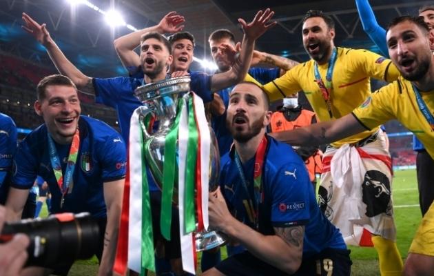 Itaalia värava löönud Leonardo Bonucci EM-tiitliga. Foto: Scanpix / Reuters / Laurence Griffiths