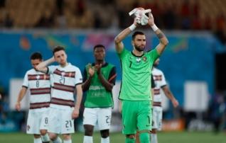 Portugali koondise esikinnas on Mourinho mahitusel Romasse siirdumas