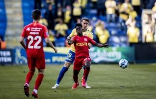 Noor Ghana poolkaitsja valis ManU ja Ajaxi asemel Prantsusmaa klubi