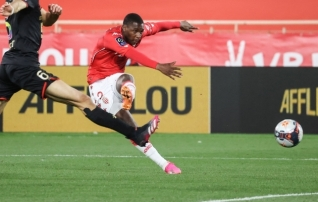 Milan ostis Monacost vasakkaitsja