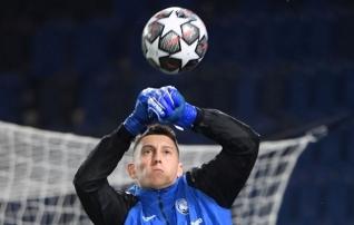 Tottenham laenas Itaaliast väravavahi