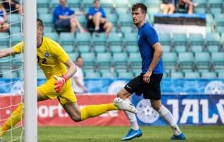 Domžale alustas uut liigahooaega punase kaardi ja kaotusega  (Riia FS sai hilise võidu)