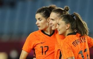 Holland ja Hiina korraldasid väravatesaju, naiste jalgpalliturniiril said selgeks alagruppidest edasipääsejad