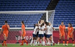 Naiste MM-finaali korduse võitis olümpial penaltitega USA