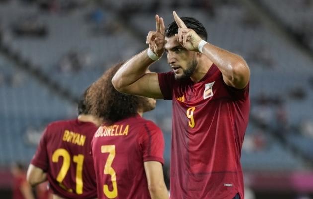 Rafa Miri supermäng viis Hispaania poolfinaali. Foto: Scanpix / Andre Penner / AP Photo