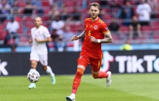 Oodatust kiiremini paranenud Tottenhami kaitsja liitus Eesti-mängu eel Walesi koondisega