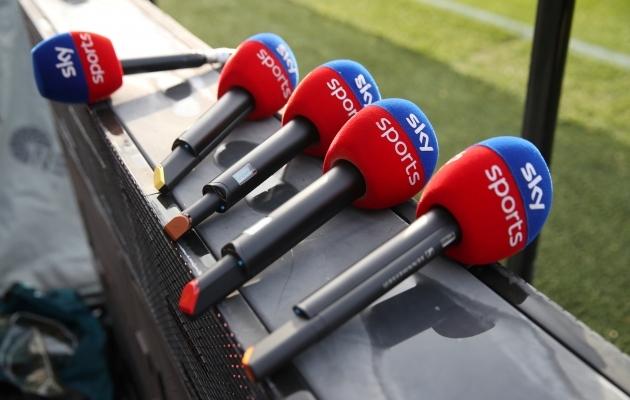 Kui Sky Sportsi kaamerad oleksid Inglismaal kohal ka kell 15.00 algavatel Premier League'i mängudel, kannataks jalgpallipüramiidi alumiste astmete publikuhulk. Foto: Scanpix / Reuters / David Klein