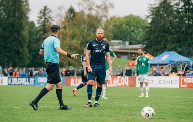 """Kas see on hetk, kui Ošomkov ütleb Anierile, et """"üks löök ja siis on poolajavile""""? Foto: Liisi Troska / jalgpall.ee"""