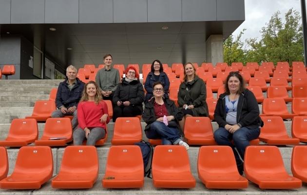 Tartu Tamme staadionil, mis on üks turniiri võistlusväljakutest, võõrustas EJL-i ja UEFA esindajaid Tartu Spordi neljaliikmeline delegatsioon. Foto: EJL