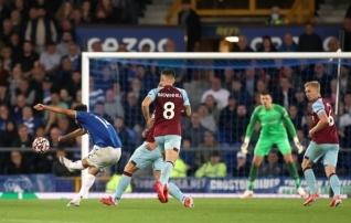 Everton vastas Burnley väravale vinge tulevärgiga ja püsib tippudega samas tempos
