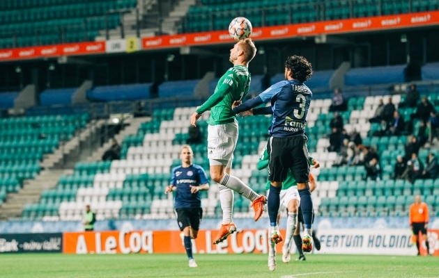 Robert Kirss õhuvõitluses. Foto: Liisi Troska / jalgpall.ee