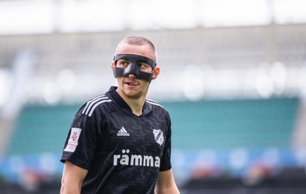Pavel Marin nina kaitsva maskiga. Foto: Jana Pipar / jalgpall.ee