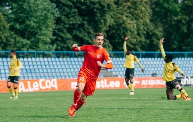 Aleksandr Šapovalov oli Tuleviku väravale suureks ohuks. Foto: Liisi Troska / jalgpall.ee