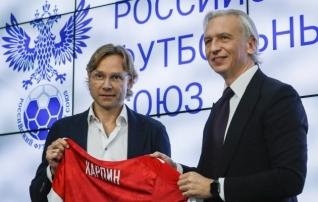 Eestimaalane osseedi asemel: mis toimub Venemaa jalgpallikoondise eesotsas?