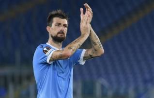 Suure kaotuse saanud Lazio keskkaitsja kaotas närvid ja eemaldati suupruukimise tõttu