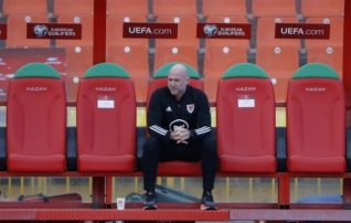Walesi peatreener toonitas sama, mida Eesti vastu viigiga leppides: peame paremini rünnakuid lõpetama