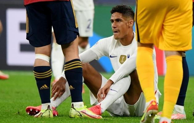 Raphael Varane'i jaoks jäi pühapäevane Rahvuste liiga finaal vigastuse tõttu pooleli. Ees ootab mõne nädala pikkune vigastuspaus. Foto: Scanpix / Reuters / Alberto Lingria