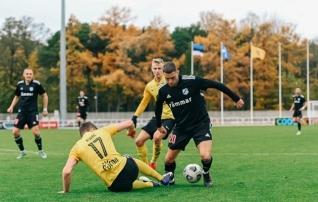 VAATA JÄRELE: Vaprus läks penaltist juhtima, kuid Kalju vastas nelja väravaga ning võttis võõrsilt kolm punkti