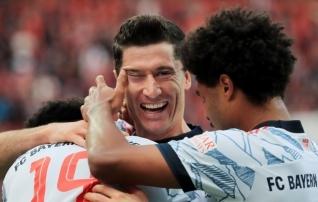 Mis varajane tiitlilahing? Bayerni püss paukus juba avapoolajal rekordiliselt palju!