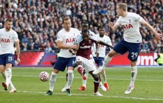 West Ham alistas Tottenhami ja tõusis Meistrite liiga kohale