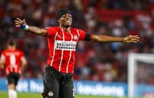 Chelsea ja Manchester Unitedi pakkumistest loobunud noor inglane naudib jalgpalli Hollandis
